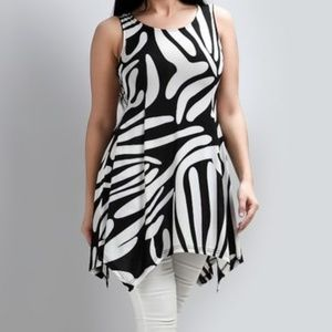 Black and White Abstract Print Tunic